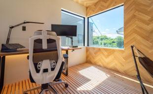 広々ルーフバルコニーから池を見渡せるテレワーク専用ルームを完備した楽しく快適な家 イメージ
