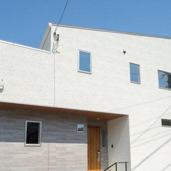 【事例紹介】こんなおうちに住みたい!開放的な吹き抜けのLDK&回遊動線♪ 29坪4LDKの建売住宅 イメージ